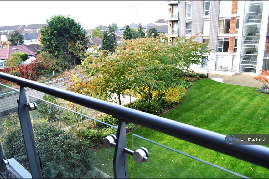 1 bedroom flat in Clayponds Lane, London, TW8 (1 bed)