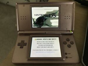 Damaged Nintendo DS Lite Pink