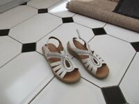 LADIES SANDALS FOR SALE SIZE 3 £5.00