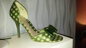 Ravel, size 5 court shoes
