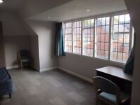SINGLE BEDROOM ** EN SUITE ** QUICK LET ** AVAILABLE IMMEDIATELY ** WEOLEY PARK RD