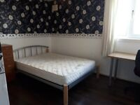 Three double rooms to rent