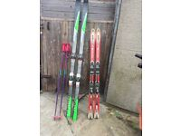2 sets of snow ski's