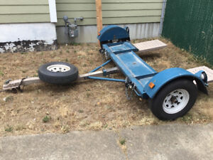 Tilt-Bed Tow Dolly
