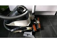 Vorticity Plus Bagless Cylinder Vacuum Cleaner