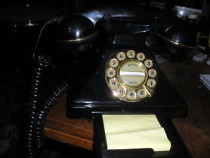 VINTAGE CRADLE PHONE