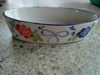 NEW Oval dish and 4 Ramekins