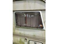 Caravan Windows ( ad 27 of 32 )