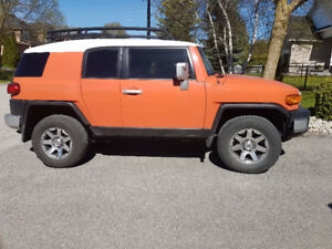 2014 Toyota FJ Cruiser low km's with off-road package