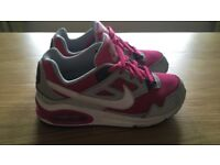 Girls Nike Air Max trainers size 1.5, £10!