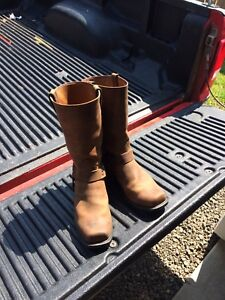 Size 9/12 cowboy boots new price