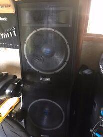 "2 X Speakers with horns Skytec 15"" 300 Watt 8 Ohm Passive"
