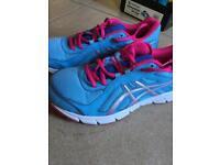 Size 5 ascics trainers