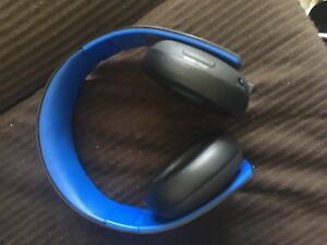 PS4 Headest Gold Stereo Wireless now 50