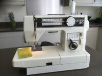 TOYOTA 30 SEWING MACHINE Model 5001S