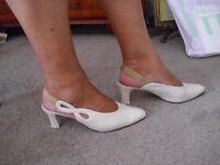 Ladies Leather cream shoes
