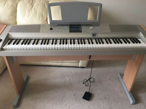 Yamaha DGX 505 Portable Key Board Piano