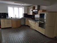 4 BEDROOM HOUSE WITH LARGE LIVING ROOMS AND OPEN PLAN KITCHEN/DINER
