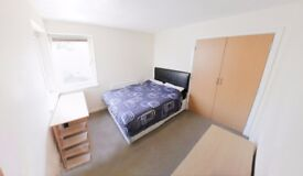 Large Double Bedroom in an Executive 3 Bed Apartment, Modern Building, City Centre, HMO Licenced