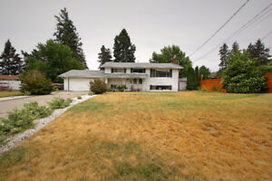 Beautiful Family Home Located on a Large Corner Lot!