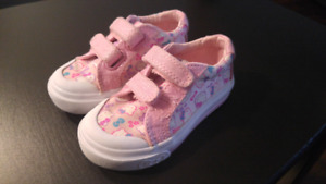 Hello Kitty Keds toodler size 5M