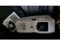 HP VP6321 DIGITAL PROJECTOR - in case with disc, manual and working lamp / bulb