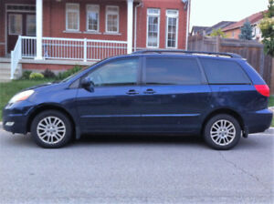 2007 Toyota Sienna LE All Wheel Drive,Excellent driving conditio