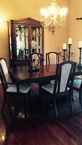 Dining room set in excellent condition , like brand new