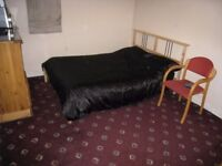 Large Room to let in Gants Hill