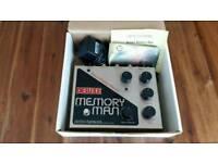 Big box Electro Harmonix deluxe memory man pedal
