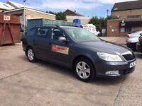 Leeds Private Hire Taxi SKODA OCTAVIA Elegance 2.0 TDI Full Leather Parking Sensors