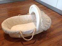 Moses basket Mamas & Papas + Clevamama Clevafoam top quality mattress