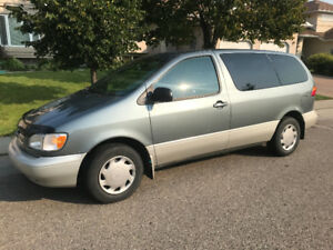 1998 Toyota Sienna Minivan For Sale!