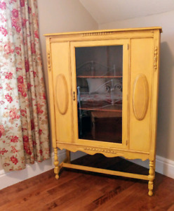 Beautiful and bright cabinet!