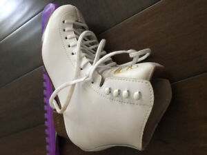 Figure skates for girls size 4 1/2