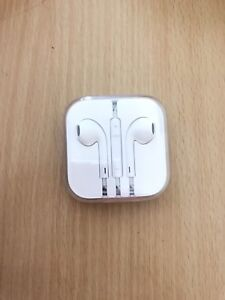 Apple EarPods never opened