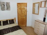 ★Attractive Double In Electrifying Stratford City! Excellent Value for money.FREE Internet+Cleaner★