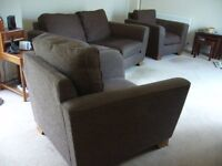 NEW MARKS SPENCER 2 SEATER + 2 LOVE CHAIRS CAN DLEIVER FREE