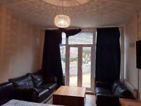 *Ensuite XXL / Single Room Luton LU1 (5m walk to Town/Uni) All Bills Inc.£330-£600 PCM-Sky TV
