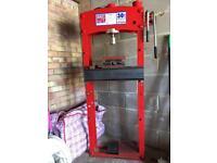 Sealey YK30F 30 tonne hydraulic press