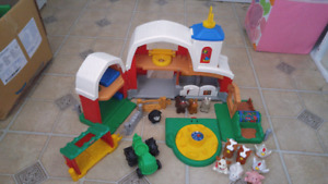 Ferme little people fisher price et figurines additionnelles
