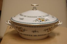 Lovely Minton 'Avignon' Pattern Vegetable Dish with Lid, in Pristine Condition.