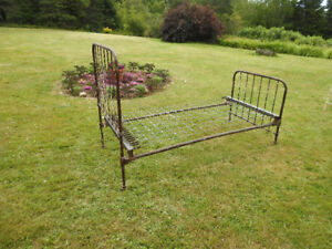 Antique Twin Set Iron Bed Frames