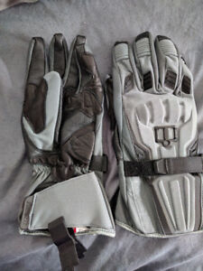 Brand New Icon Device Motorcycle gloves M Medium