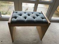 Free dressing table stool