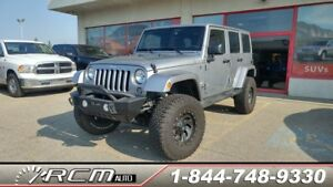 2015 Jeep Wrangler Unlimited SAHARA LOW KILOMETERS LIFTED ALMOST