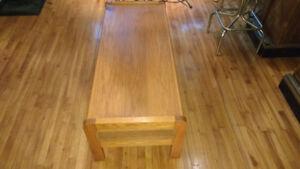 table en bois massif 48po/19po/15po.