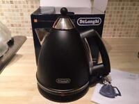 Brand new De'Longhi Argento Black Kettle