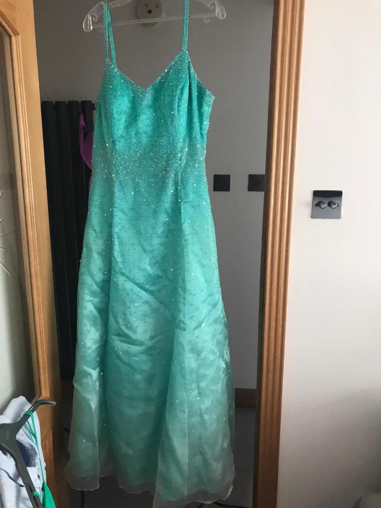 Prom dress size 12 14in Bridge of Don, AberdeenGumtree - Pale green prom dress only worn once. Bought in New York City originally for £150 selling for £40. In perfect condition. Ting straps come with wrap too as seen in pictures. Size 12 14