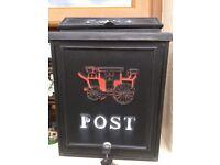 Wall hanging post box